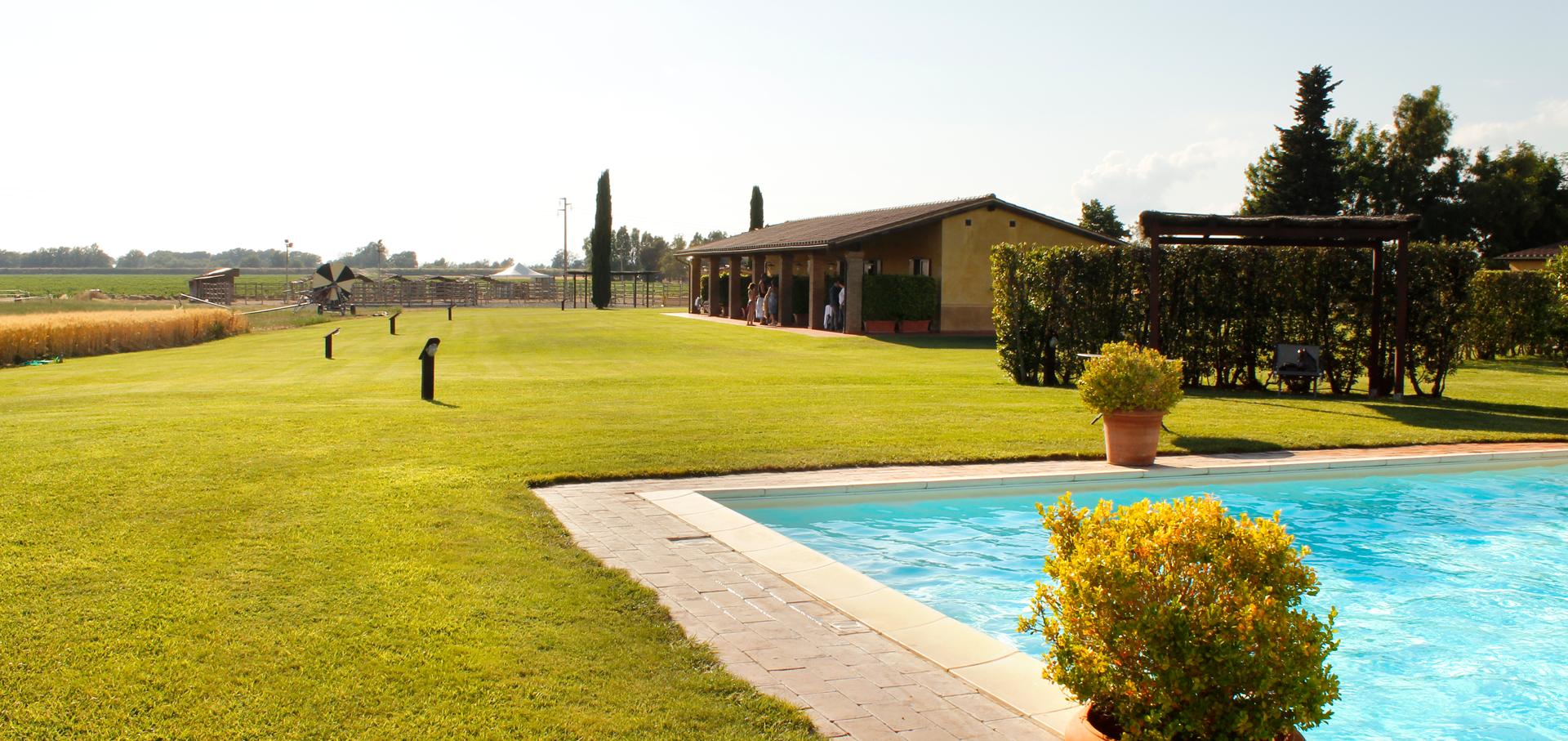 striscia-piscina-sanluca